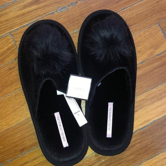 434cc5aae1ad5 Victoria's Secret Pom Pom Slipper Black Large 9-10 NWT